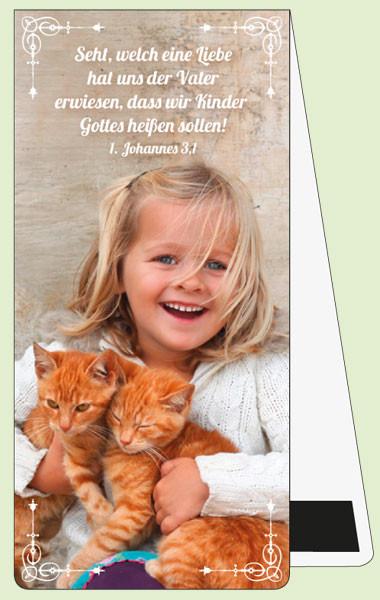 MLZ Mädchen mit zwei Katzen